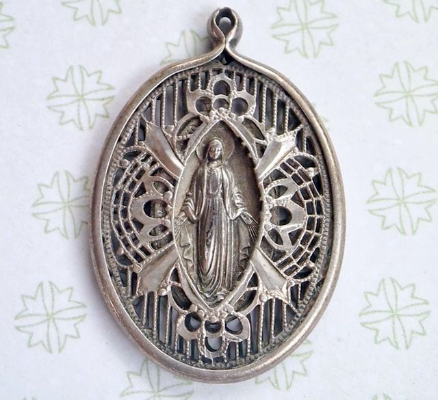 Miraculous religious medal